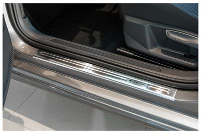 Exclusive design V2A door sill for VW Golf Sportsvan from 06/2014-
