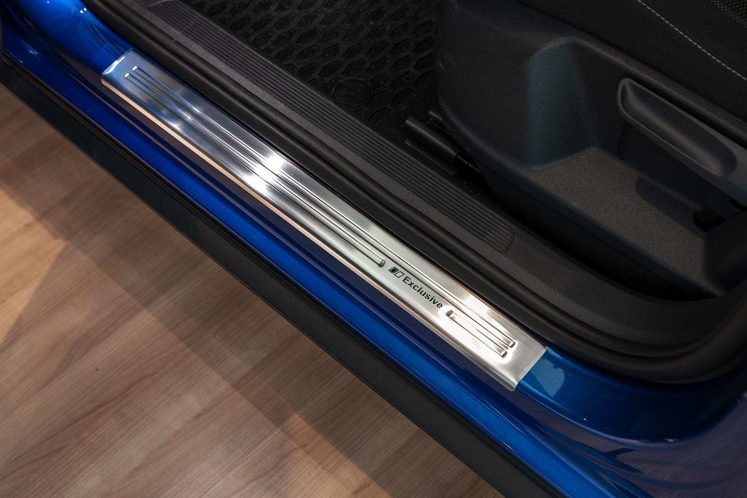 Exclusive design V2A door sill for VW T-Roc from 2017-