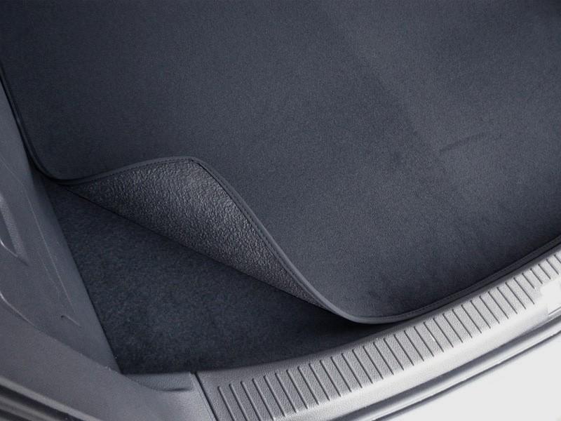 bagagerie tapis de compartiment tapis r versible adapt pour audi a4 8k b8 avant tapis de coffre. Black Bedroom Furniture Sets. Home Design Ideas