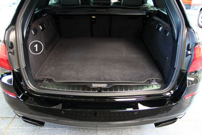 3-part trunk mat with bumper protection fits for BMW 5 Series Touring F11