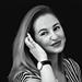 Schwarz-weiß Portrait von Frau Laila Scivoletto