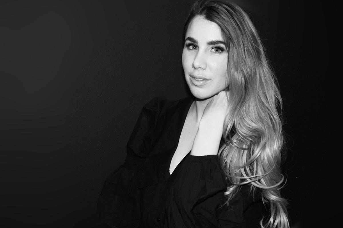 Monika Vitzu  - Marketing & Sales Manager bei Das Parfum and Beauty