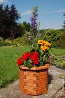 Pflanzkasten, Blumenkasten, Blumenkübel rund aus massivem Holz, für den Garten Bild 2