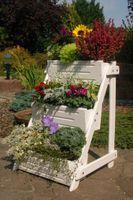 Blumentreppe, Blumenleiter, Pflanztreppe, Pflanzleiter aus Holz, in Weiß,  versch.Modelle 002