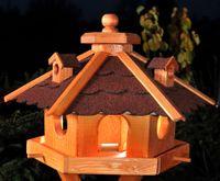 Vogelhaus, Vogelhäuschen mit Bitumschindeln, behandelt, mit Solar V12 004