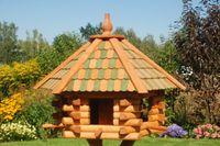 Vogelhaus XXL, Futterhaus 65 x 50 cm imprägniert, Holzschindeldach in braun-schwarz, mit oder ohne Vogelhausständer, V15XXL 003