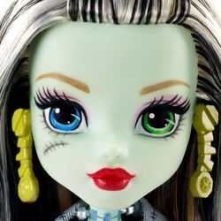 Frankie Stein | Mattel DNW99 | Todschicke Monsterschüler | Monster High Puppe – Bild 2