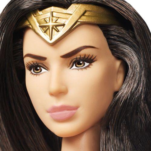 DC Wonder Woman Puppe | Mattel FDF39 | mit Schwert & Schild | Schutzschild – Bild 2