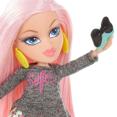 Cloe | Fashion Puppe mit Selfie-Stick | 539650 Bratz | MGA Entertainment – Bild 2