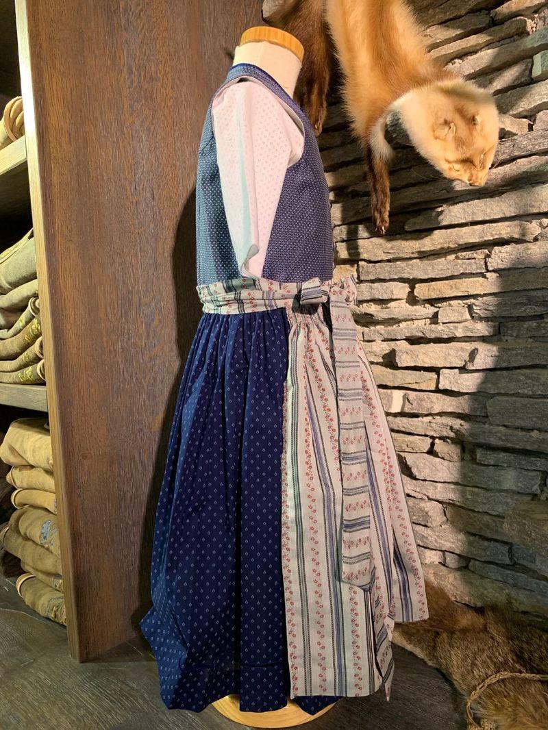 Hammerschmid Dirndl Kinderdirndl  Gr. 122 - 164 Dirndl blau mit Bluse und Schürze – Bild 5