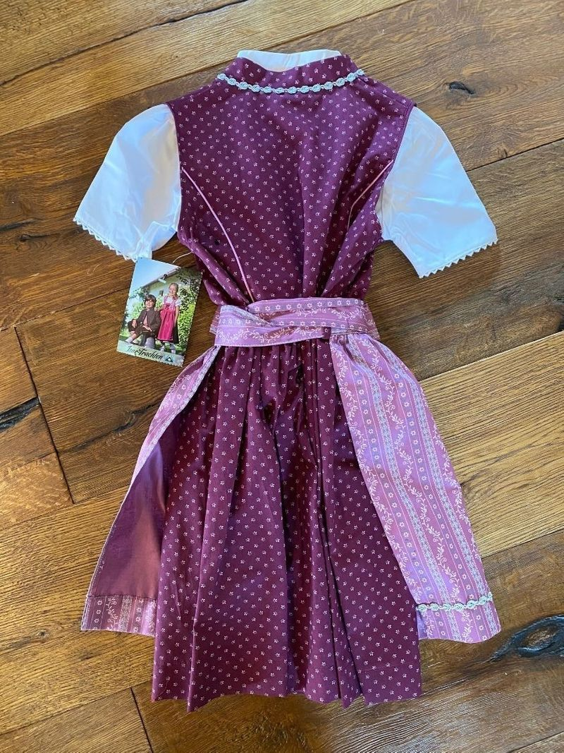 Isar Trachten Dirndl Kinderdirndl beere lila inkl.Bluse Gr. 104 - 164 Schürze violett – Bild 3