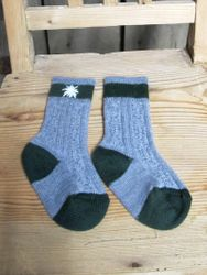 Lusana Trachten Socken Gr. 15-40 Farbe grau / tanne mit Edelweiss handbestickt 001