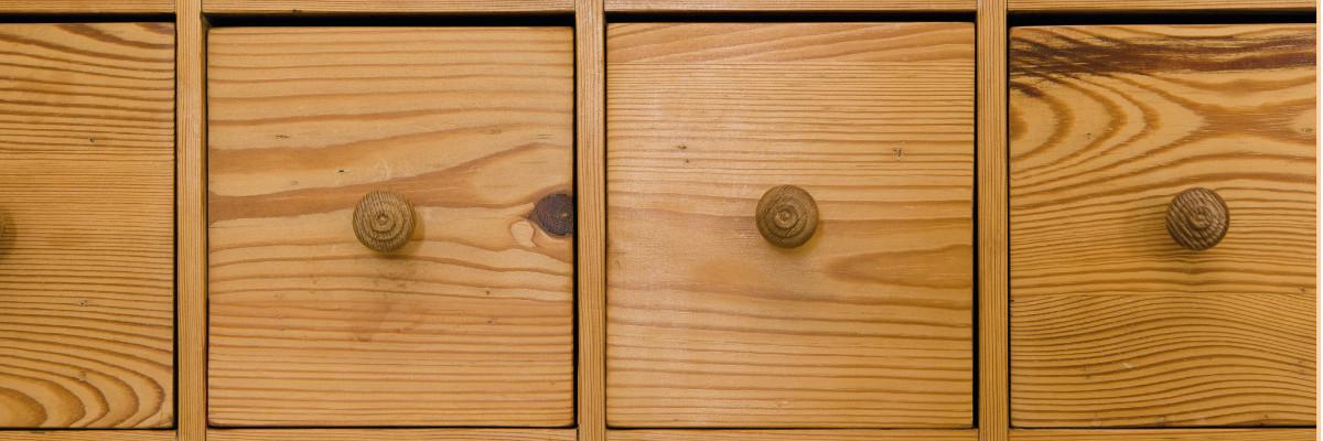 Griffe aus Holz & Porzellan