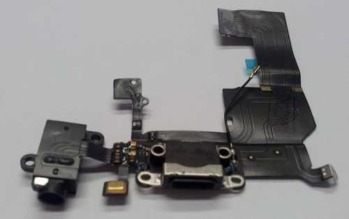 Docking port with Headphone Jack and Flexkabel for iPhone 5C black