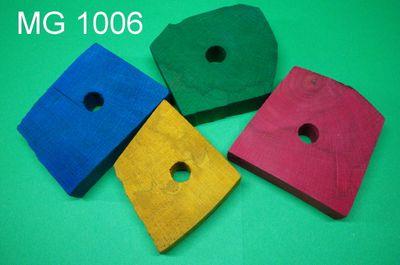 Holzklötzchen bunt  gross ca. 7-8 cm breit ca. 2 cm  dick mit 12 mm Loch
