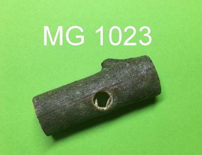 Aststück Quer mittel ca. 7 cm lang - ca 3 cm dick mit 12 mm Loch