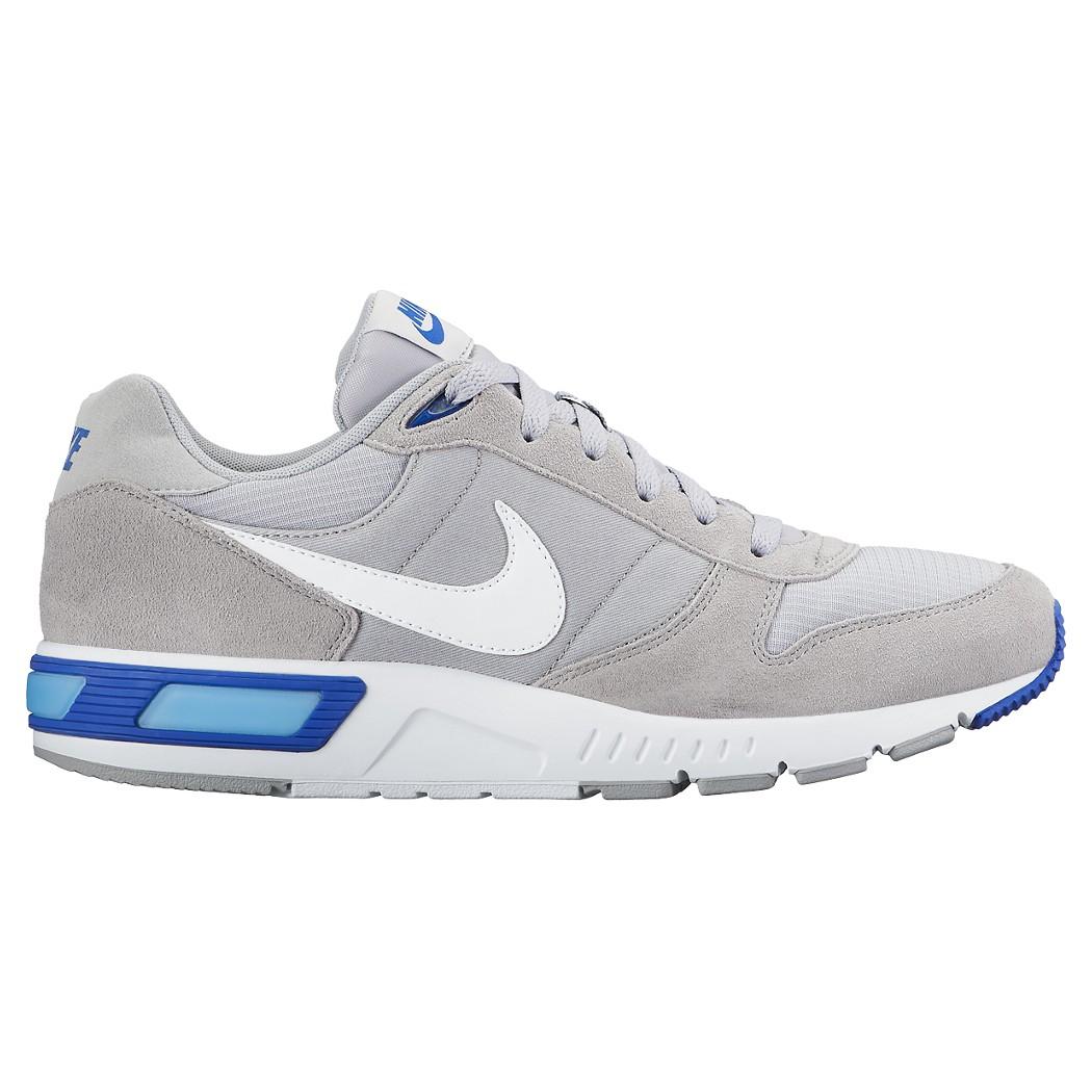 Nike Nightgazer Freizeitschuh grau/weiß/blau