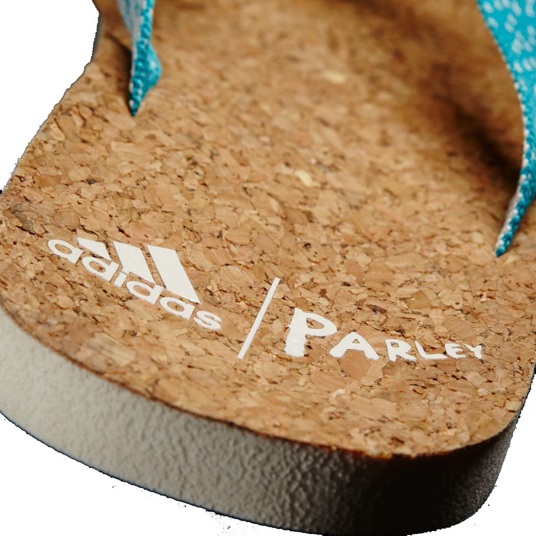 adidas damen eezay parley zehentrenner flip flops blau wei schuhe adidas. Black Bedroom Furniture Sets. Home Design Ideas