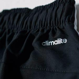 adidas Sport Essentials 3-Streifen Chelsea Shorts schwarz – Bild 5