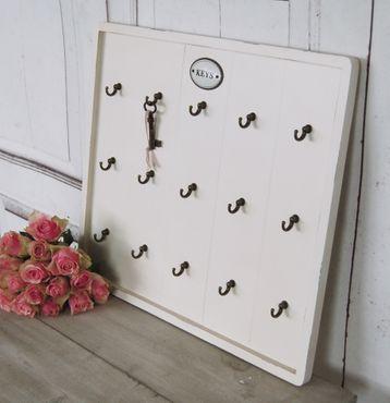 Schlüsselbrett in antikweiß im eleganten french Shabby Chic Stil mit 15 Haken  – Bild 3