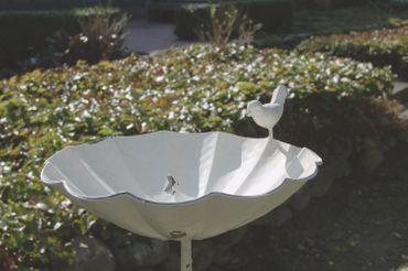 Vogeltränke MATZ, metall, weiße Stab-Vogeltränke im Landhaus-Stil, Shabby Chic  – Bild 2
