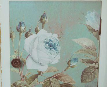 Nachttisch oder Beistelltisch,weiß im Shabby Chic Stil mit blauer Rose – Bild 2