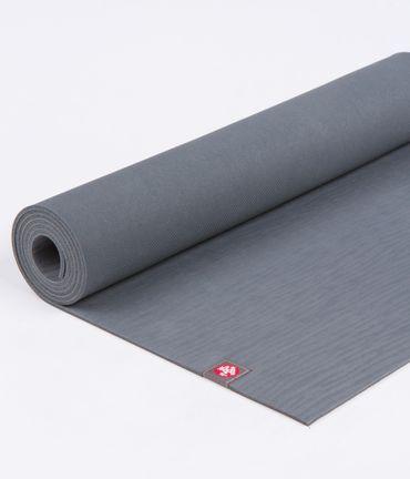 Manduka Yogamatte eko mat lang 200cm grau – Bild 4