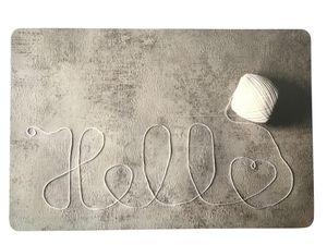 Schreibtischunterlage Hello weißer Faden auf grauem Grund  40 x 60 cm abwischbar