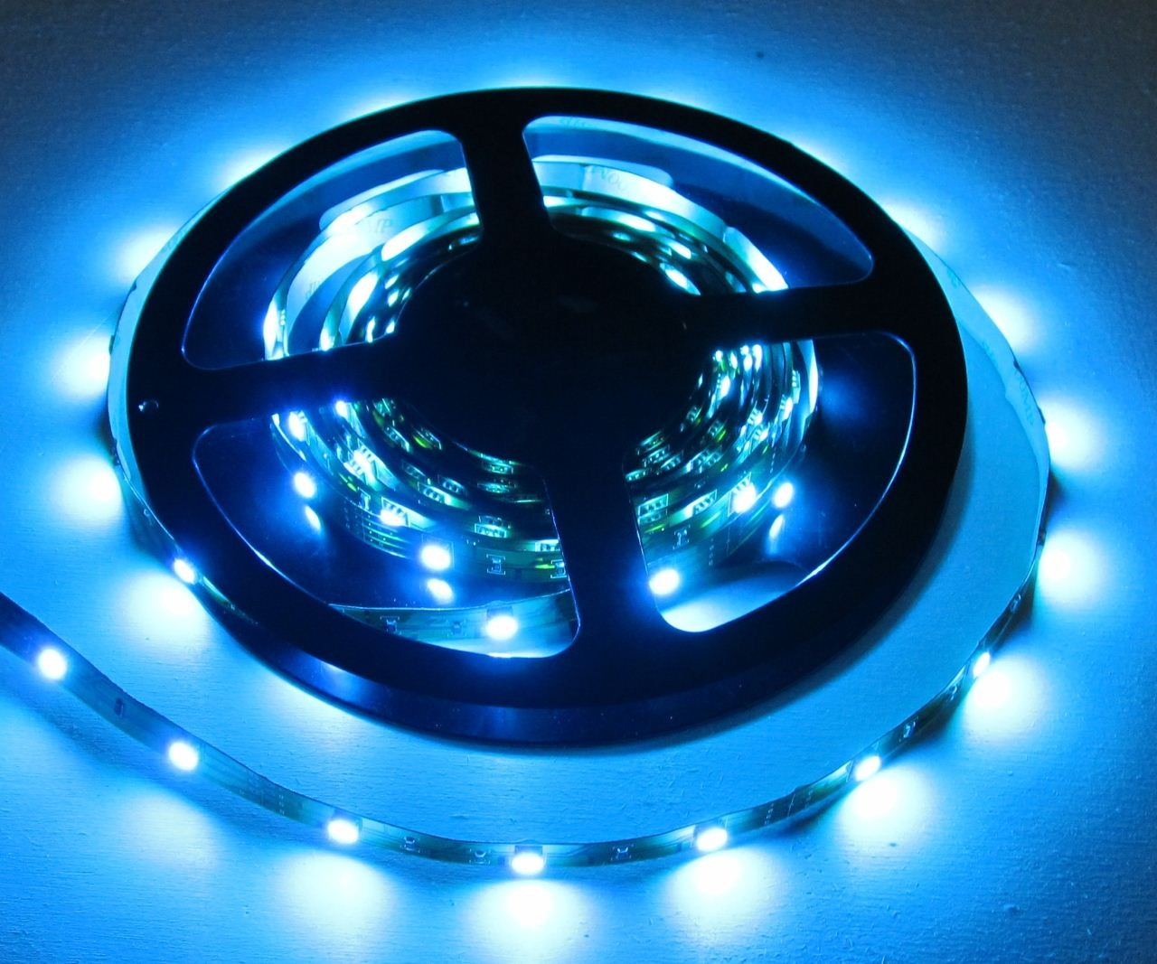 rgb led strip streifen 150x led smd 5050 ip20 rgb 5mt. Black Bedroom Furniture Sets. Home Design Ideas