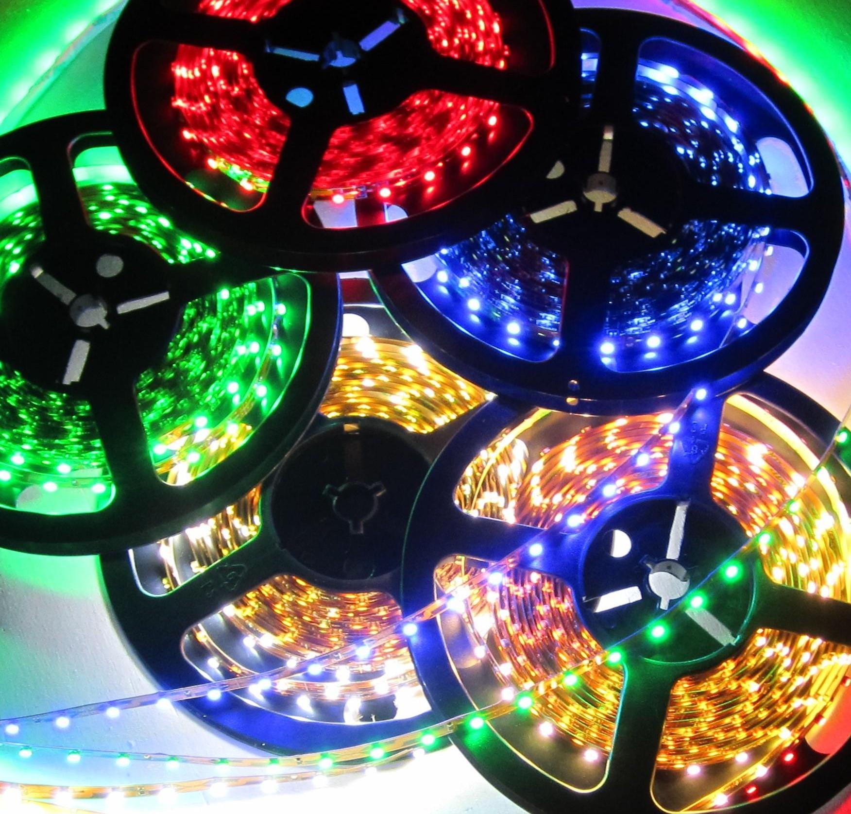 XXL RGB LED Controller mit Fernbedienung 44Tasten bis72Watt für LED Streifen 12V