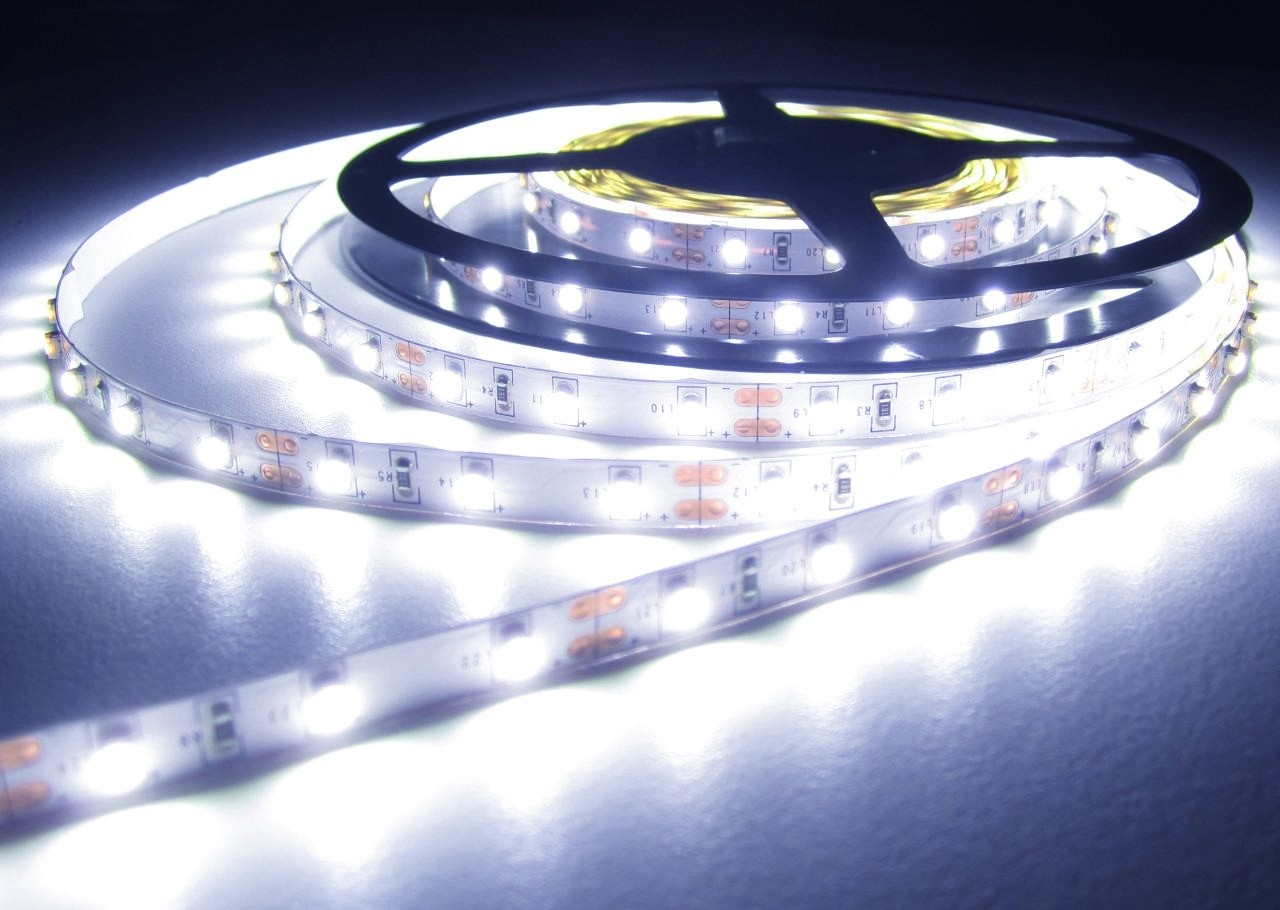 led strip stripe streifen leiste 300 led 5mt kaltweiss wei hell 12volt 1260lumen ohne. Black Bedroom Furniture Sets. Home Design Ideas