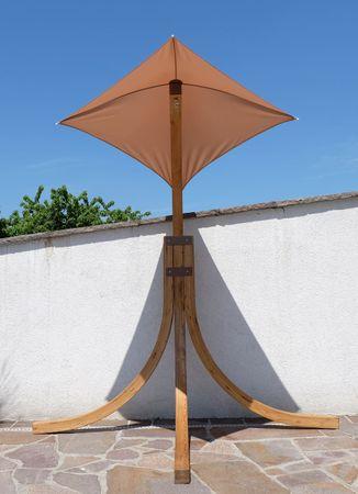 DESIGN Hängesesselgestell NAVASSA aus Holz Lärche (ohne Sessel) – Bild 2