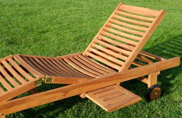2x Hochwertige TEAK Sonnenliege Gartenliege Strandliege Liegestuhl Holzliege Holz sehr robust Modell: COZY+ 1x Beistelltisch 45x45cm – Bild 4