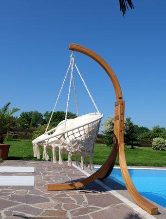 DESIGN Hängesessel Catalina mit Gestell aus Holz NAVASSA Lärche komplett – Bild 5