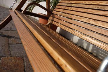 Design Hollywoodschaukel RIO GRÜN aus Holz Lärche mit Dach – Bild 10