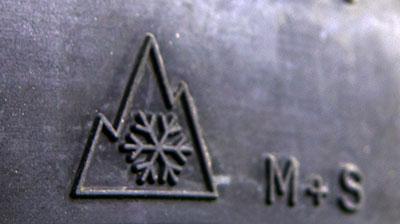 Schneeflocken und M&S Symbol