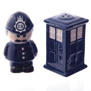Salz- und Pfefferstreuer engl. Polizist u. Telefonzelle London