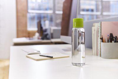 JOSEPHJOSEPH Dot - Trinkkontrol Wasserflasche 600ml - grün – Bild 5