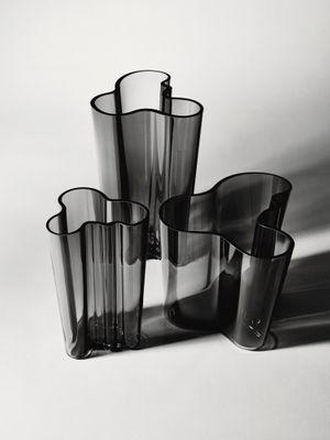iittala Aalto Vase dunkelgrau 160 mm – Bild 3