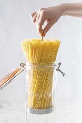 KILNER Facetten Spaghettiglas mit Bügelverschluss – Bild 3