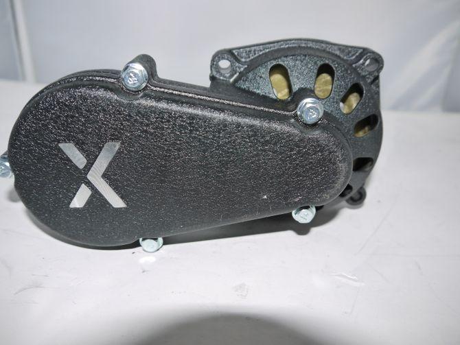 Getriebe mit Ritzel 11 Zähne  für 50ccm 2 Takt Motor passen z.B. für Dirtbike / Pocketbike  / Kinderquad