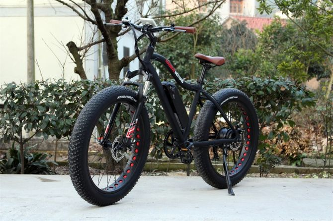 Fatbike / Ebike Mountainbike elektrisch 250 Watt Power Motor - Kenda Tires - 11 AH Battery