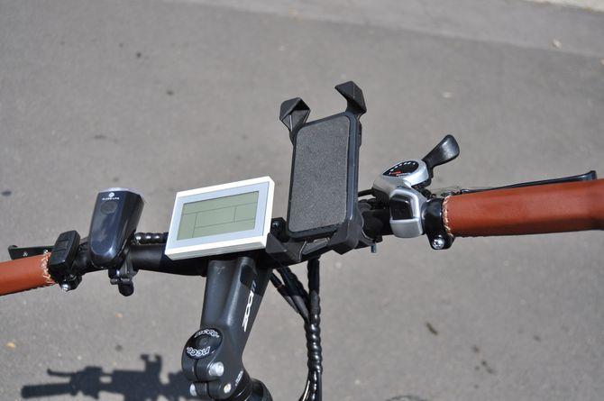 Universal Fahrrad / E-bike / Quad / Motorrad Handyhalterung für viele Smartphones und Lenkergrößen