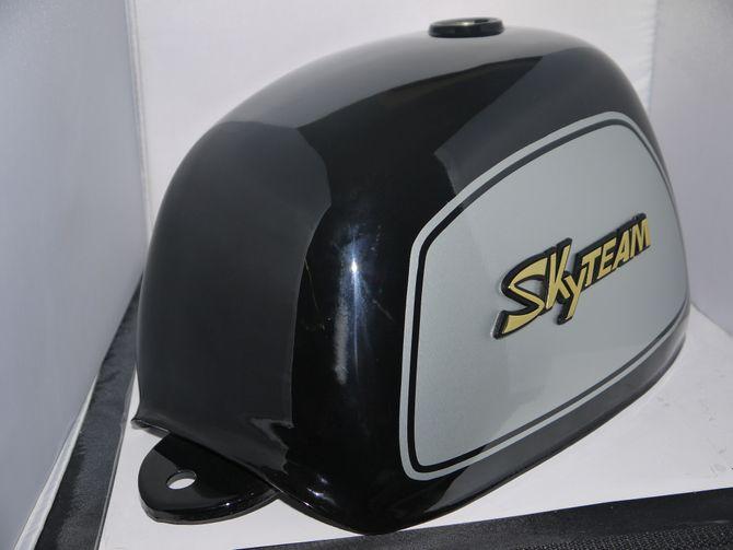 Skyteam ST50-8A Gorilla Tank / Kraftstofftank  - Farbe: schwarz mit Aufkleber