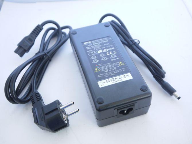 Ladegerät 36 Volt 2.0 A inkl. Kabel für Ebike / Elektrofahrrad mit z.B. Samsung Lithium Akku