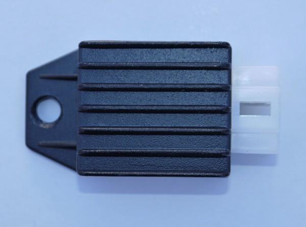 Spannungsregler - Lichtmaschinenregler / Spannungswandler für Kinderquad o. Dirtbike