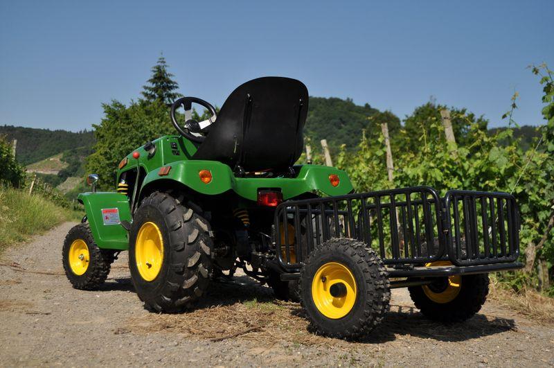 kindertraktor traktor f r kinder mit 110ccm 4 takt motor. Black Bedroom Furniture Sets. Home Design Ideas