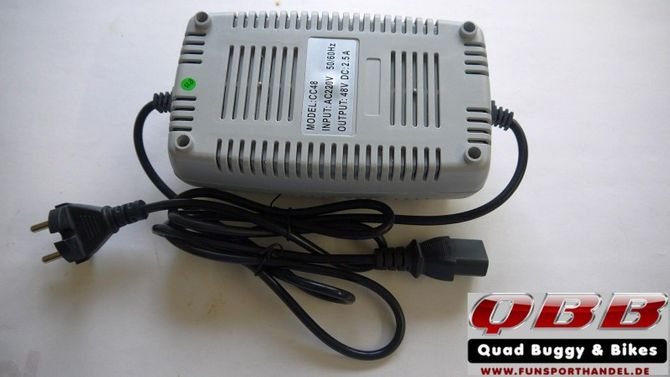 Ladegerät 48V 1-3A  3-polig Buchse für Gerätestecker für das Go-Kart oder den Kinder Buggy mit 48V 1000Watt Antrieb