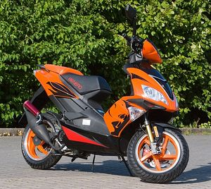 Motorroller Benero GT-50 Supersport - 2 TAKT- ORANGE - Power Scooter
