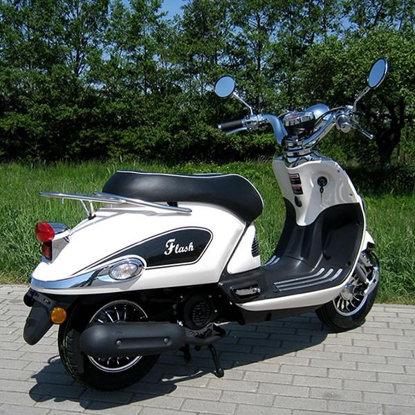 motorroller 50ccm retro roller mit 45 km h flash weiss. Black Bedroom Furniture Sets. Home Design Ideas